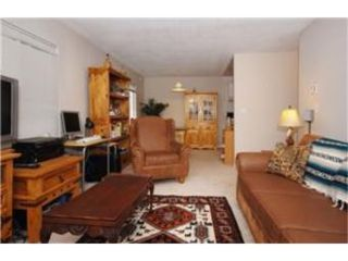 Photo 3:  in VICTORIA: Vi Hillside Condo Apartment for sale (Victoria)  : MLS®# 474507