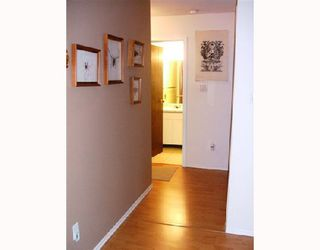 """Photo 3: 106 975 E BROADWAY BB in Vancouver: Mount Pleasant VE Condo for sale in """"SPARWOOD"""" (Vancouver East)  : MLS®# V743203"""