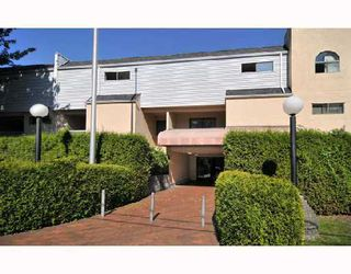 """Photo 1: 106 975 E BROADWAY BB in Vancouver: Mount Pleasant VE Condo for sale in """"SPARWOOD"""" (Vancouver East)  : MLS®# V743203"""