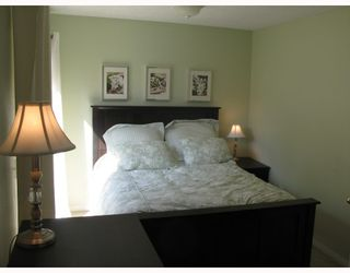 """Photo 6: 210 CARDIFF Way in Port_Moody: College Park PM Townhouse for sale in """"EASTHILL"""" (Port Moody)  : MLS®# V762744"""