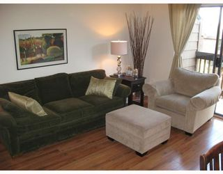 """Photo 4: 210 CARDIFF Way in Port_Moody: College Park PM Townhouse for sale in """"EASTHILL"""" (Port Moody)  : MLS®# V762744"""
