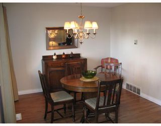 """Photo 5: 210 CARDIFF Way in Port_Moody: College Park PM Townhouse for sale in """"EASTHILL"""" (Port Moody)  : MLS®# V762744"""