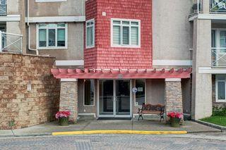 Photo 2: 205 40 PARKRIDGE View SE in Calgary: Parkland Apartment for sale : MLS®# C4259028