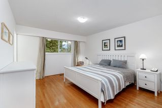 Photo 8: 521 YALE Road in Port Moody: College Park PM House for sale : MLS®# R2418009