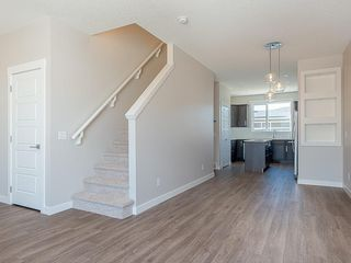 Photo 7: 33 SKYVIEW Parade NE in Calgary: Skyview Ranch Row/Townhouse for sale : MLS®# C4296504