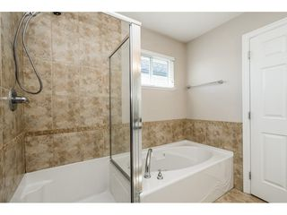 Photo 17: 16642 59A Avenue in Surrey: Cloverdale BC House for sale (Cloverdale)  : MLS®# R2464763