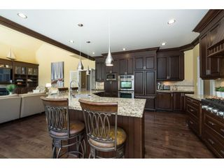 """Photo 12: 9403 207A Street in Langley: Walnut Grove House for sale in """"Shaughnessy Woods"""" : MLS®# R2474726"""