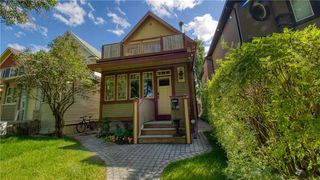 Main Photo: 319 8 Avenue NE in Calgary: Crescent Heights Detached for sale : MLS®# A1029847