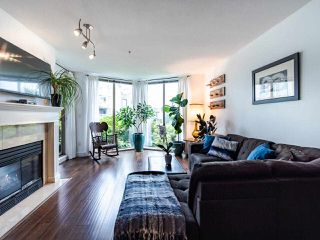 "Photo 7: 313 60 RICHMOND Street in New Westminster: Fraserview NW Condo for sale in ""GATEHOUSE PLACE"" : MLS®# R2500986"