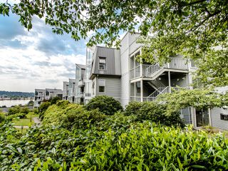 "Photo 41: 313 60 RICHMOND Street in New Westminster: Fraserview NW Condo for sale in ""GATEHOUSE PLACE"" : MLS®# R2500986"