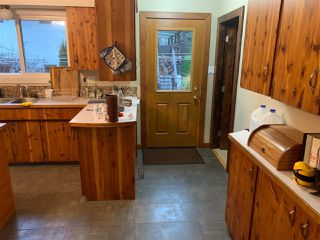 "Photo 3: 40430 CHEAKAMUS Way in Squamish: Garibaldi Estates House for sale in ""Garibaldi Estates"" : MLS®# R2525106"