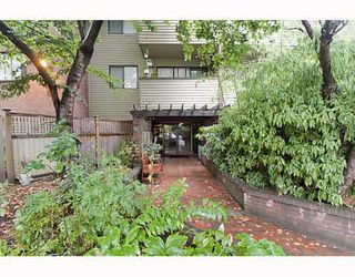 Photo 1: 303 853 E 7TH Avenue in Vancouver: Mount Pleasant VE Condo for sale (Vancouver East)  : MLS®# V797245