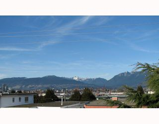 Photo 9: 303 853 E 7TH Avenue in Vancouver: Mount Pleasant VE Condo for sale (Vancouver East)  : MLS®# V797245