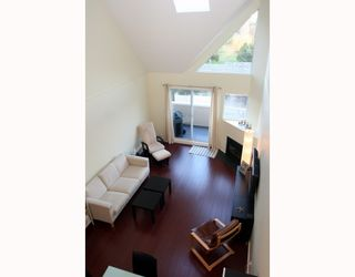 "Photo 2: 409 1428 56TH Street in Tsawwassen: Beach Grove Condo for sale in ""Bayview Villa"" : MLS®# V808954"