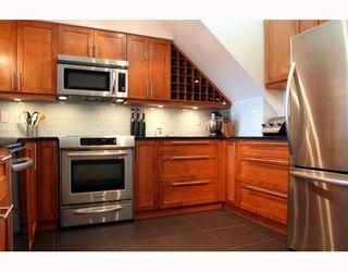 "Photo 6: 409 1428 56TH Street in Tsawwassen: Beach Grove Condo for sale in ""Bayview Villa"" : MLS®# V808954"