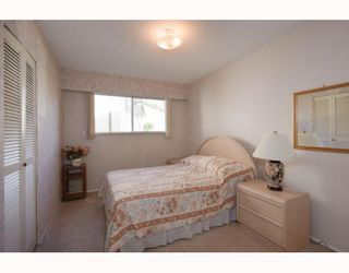 Photo 6: 6725 KNEALE Place in Burnaby: Montecito House for sale (Burnaby North)  : MLS®# V812698