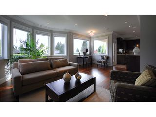 Photo 2: 1315 11TH Street in West Vancouver: Ambleside House for sale : MLS®# V823381