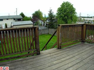 Photo 9: 17469 63A Avenue in Surrey: Cloverdale BC House for sale (Cloverdale)  : MLS®# F1013058