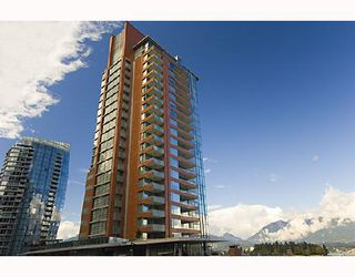 "Photo 1: 902 1169 W CORDOVA Street in Vancouver: Coal Harbour Condo for sale in ""HARBOUR GREEN 1"" (Vancouver West)  : MLS®# V716569"