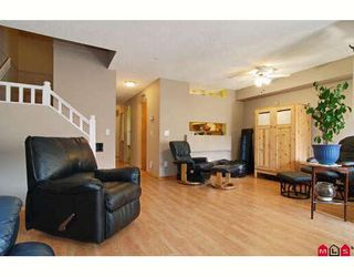 """Photo 4: 38 9045 WALNUT GROVE Drive in Langley: Walnut Grove Townhouse for sale in """"BRIDLEWOOD"""" : MLS®# F2916191"""