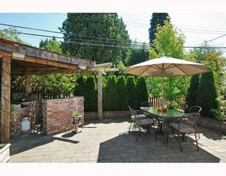 Photo 9: 2349 CHESTERFIELD Avenue in North_Vancouver: Central Lonsdale House for sale (North Vancouver)  : MLS®# V778827