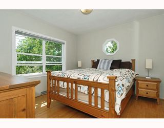 Photo 5: 2349 CHESTERFIELD Avenue in North_Vancouver: Central Lonsdale House for sale (North Vancouver)  : MLS®# V778827