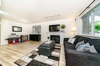 "Photo 3: 2 6555 192A Street in Surrey: Clayton Townhouse for sale in ""Carlisle at  Southlands"" (Cloverdale)  : MLS®# R2399002"