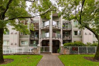 """Photo 1: 404 210 CARNARVON Street in New Westminster: Downtown NW Condo for sale in """"Hillside Heights"""" : MLS®# R2408140"""