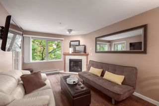 """Photo 2: 404 210 CARNARVON Street in New Westminster: Downtown NW Condo for sale in """"Hillside Heights"""" : MLS®# R2408140"""