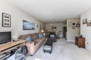 "Photo 7: 115 1442 BLACKWOOD Street: White Rock Condo for sale in ""Blackwood Manor"" (South Surrey White Rock)  : MLS®# R2433629"