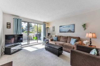 "Photo 2: 115 1442 BLACKWOOD Street: White Rock Condo for sale in ""Blackwood Manor"" (South Surrey White Rock)  : MLS®# R2433629"