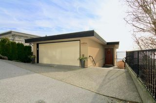 Photo 2: 14825 PROSPECT AVENUE: White Rock House for sale (South Surrey White Rock)  : MLS®# R2434299