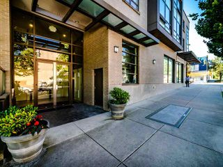 "Photo 3: 206 222 E 30TH Avenue in Vancouver: Main Condo for sale in ""THE RILEY"" (Vancouver East)  : MLS®# R2497371"