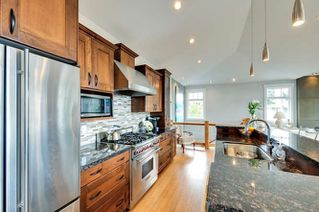 Photo 5: 1331 129A STREET in Surrey: Crescent Bch Ocean Pk. Home for sale ()  : MLS®# R2007596
