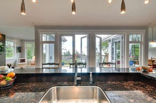 Photo 8: 1331 129A STREET in Surrey: Crescent Bch Ocean Pk. Home for sale ()  : MLS®# R2007596