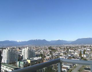 "Photo 8: 2005 5189 GASTON Street in Vancouver: Collingwood VE Condo for sale in ""THE MACGREGOR"" (Vancouver East)  : MLS®# V812038"