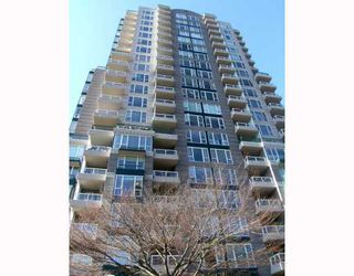 "Photo 10: 2005 5189 GASTON Street in Vancouver: Collingwood VE Condo for sale in ""THE MACGREGOR"" (Vancouver East)  : MLS®# V812038"