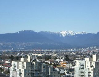 "Photo 9: 2005 5189 GASTON Street in Vancouver: Collingwood VE Condo for sale in ""THE MACGREGOR"" (Vancouver East)  : MLS®# V812038"