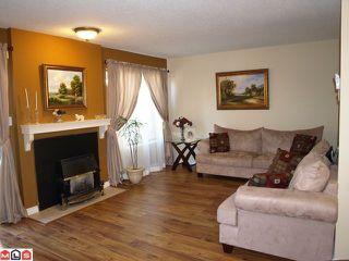 """Photo 2: 6 2998 MOUAT Drive in Abbotsford: Abbotsford West Townhouse for sale in """"Brookside Terrace"""" : MLS®# F1016868"""