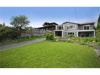 Photo 9: 739 E 4TH Street in North Vancouver: Queensbury House for sale : MLS®# V837793
