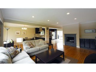 Photo 2: 739 E 4TH Street in North Vancouver: Queensbury House for sale : MLS®# V837793