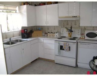 "Photo 2: 48 10848 152ND Street in Surrey: Bolivar Heights Townhouse for sale in ""WOODBRIDGE ESTATES"" (North Surrey)  : MLS®# F2900893"