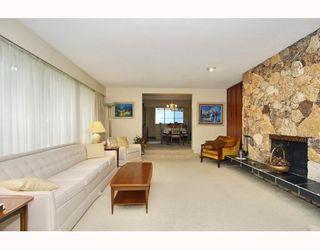 Photo 2: 1091 SKANA Drive in Tsawwassen: English Bluff House for sale : MLS®# V773497