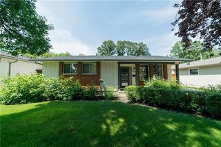 Photo 1: 67 Robertson Crescent in Winnipeg: Bright Oaks Residential for sale (2C)  : MLS®# 1919882