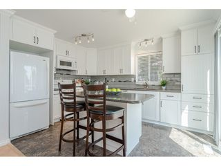 """Photo 7: 9194 212A Place in Langley: Walnut Grove House for sale in """"Central Walnut Grove"""" : MLS®# R2404799"""