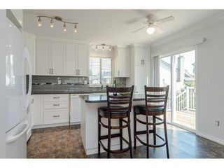 """Photo 9: 9194 212A Place in Langley: Walnut Grove House for sale in """"Central Walnut Grove"""" : MLS®# R2404799"""