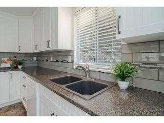 """Photo 10: 9194 212A Place in Langley: Walnut Grove House for sale in """"Central Walnut Grove"""" : MLS®# R2404799"""