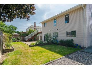"""Photo 2: 9194 212A Place in Langley: Walnut Grove House for sale in """"Central Walnut Grove"""" : MLS®# R2404799"""