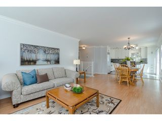 """Photo 5: 9194 212A Place in Langley: Walnut Grove House for sale in """"Central Walnut Grove"""" : MLS®# R2404799"""