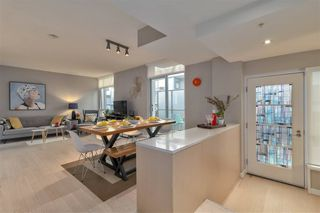 Photo 2: : Vancouver Townhouse for rent : MLS®# AR116